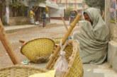 নওগাঁয় তাপমাত্রা বাড়লেও শৈত্যপ্রবাহে শীত কমেনি॥ জনজীবন কাহিল