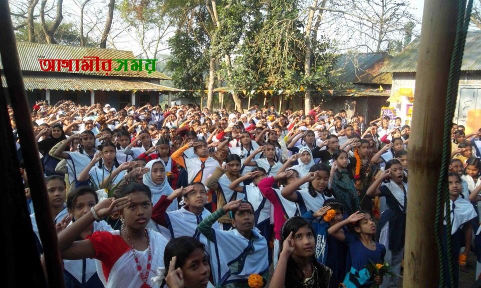 সাফল্যের ধারাবাহিকতায় নবাবগঞ্জের খানেপুর উচ্চ বিদ্যালয়