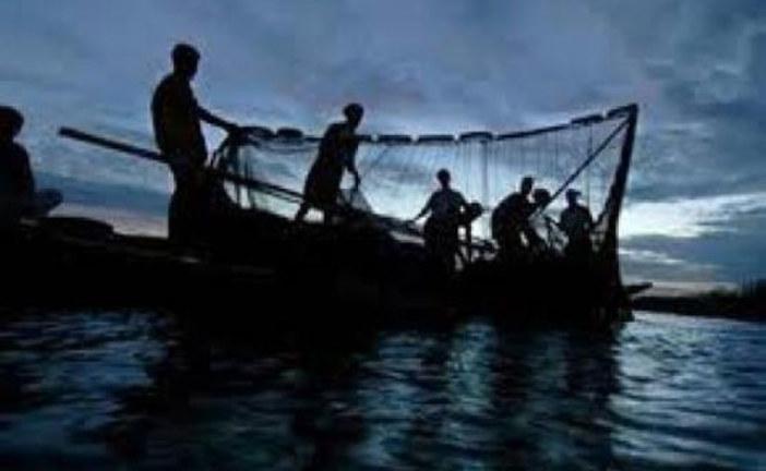 সুন্দরবনের কটকা অভয়ারণ্যে অবৈধভাবে  মাছ ধরার দায়ে ৫জেলে আটক