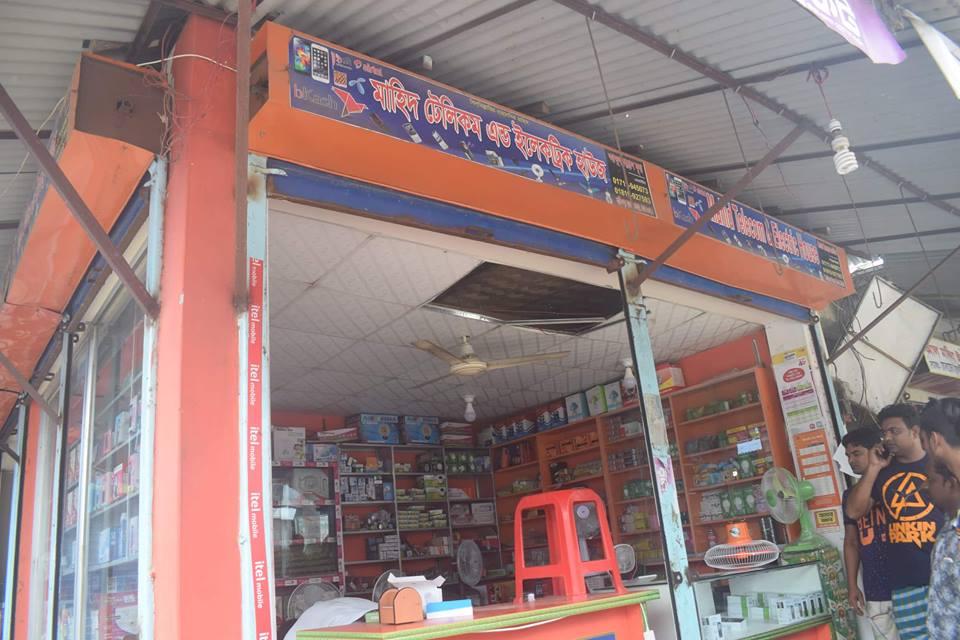 দোহারের কার্তিকপুর বাজারের মাহিদ টেলিকমে দুর্দর্শ চুরি, বাজার কমিটির দুর্বলতা