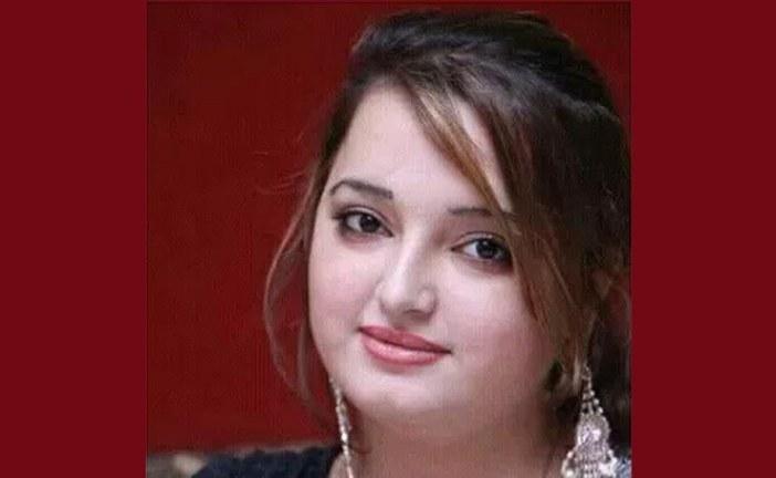 পাকিস্তানের জনপ্রিয় গায়িকা রেশমাকে গুলি করে হত্যা