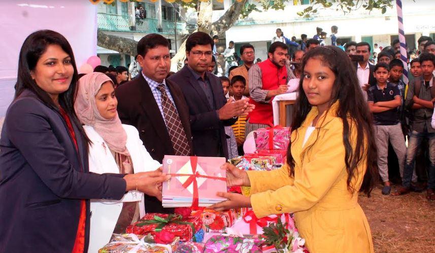 দোহার নবাবগঞ্জে 'পাঠ্যপুস্তক' উৎসব দিবস উদযাপন