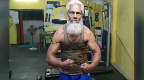 ৭২ বছর বয়সী বাংলাদেশি বডিবিল্ডার