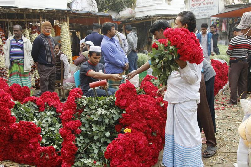 ঢাকায় ৩০ কোটি টাকার ফুল বিক্রি দু'দিনে