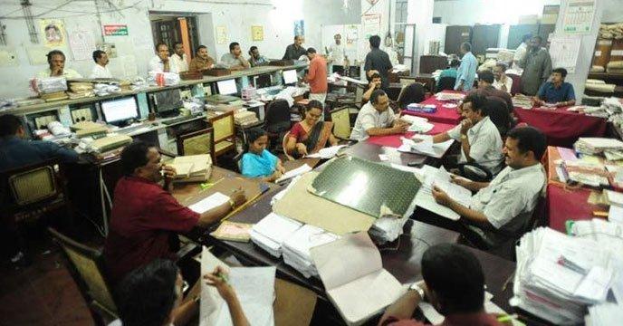 ভারতে পাঁচগুণ বাড়ল সরকারি কর্মচারীদের প্রাপ্যের পরিমাণ