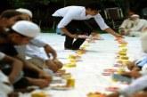 মন্দিরে রোজাদারদের জন্য ইফতারের আয়োজন করেছেন হিন্দু সন্ন্যাসীরা