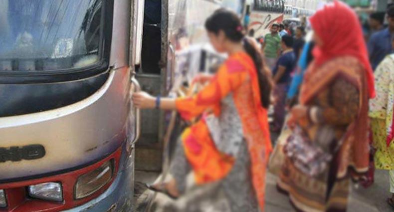 যাত্রীদের নামিয়ে দিয়ে বাসে এক নারীকে গণধর্ষণ
