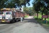 পচা পেঁয়াজের ট্রাক ফিরিয়ে নিল ভারত