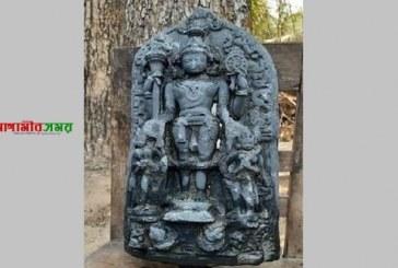 নওগাঁয় ৩৮ কেজি ওজনের বিষ্ণুমূর্তি উদ্ধার